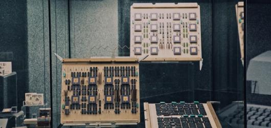 Národní technické muzeum nechává nahlédnout do československé historie počítačů