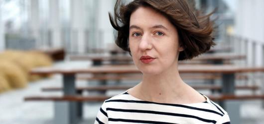 Bestselleristka Sally Rooney píše další novelu o irských mileniálech