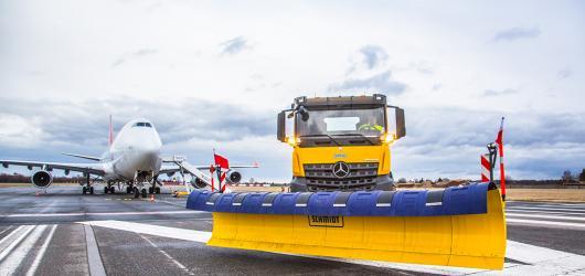 Jak se udržuje ruzyňská ranvej? Pražské letiště spouští sérii online exkurzí ze zákulisí
