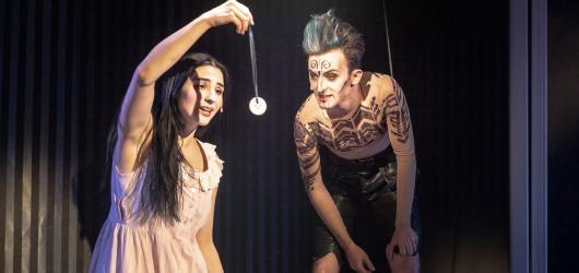 Diktátor, Hamlet i Země Nezemě. Městská divadla pražská otevírají nabitou sezonu