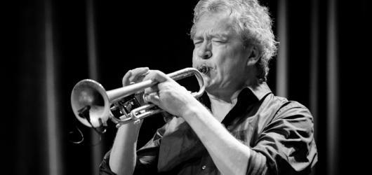 Norský multižánrový trumpetista Nils Petter Molvær se chystá na pražský koncert