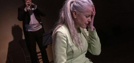 Ceny divadelní kritiky ovládla hra o katolickém básníkovi Janu Zahradníčkovi