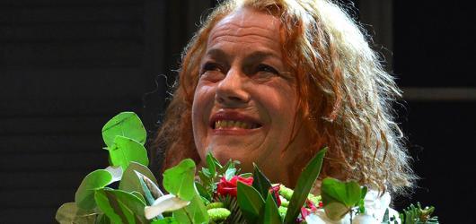 Pusťte 'Janžurku' ven! Herečka oslaví osmdesátiny na letní scéně Divadla Kalich novou inscenací