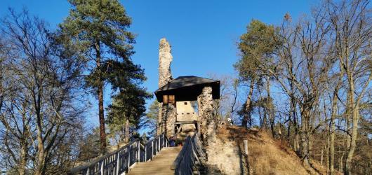 Výlety do přírody: Za zříceninou hradu Zlenice, plovárnou Senohraby a řekou Sázavou