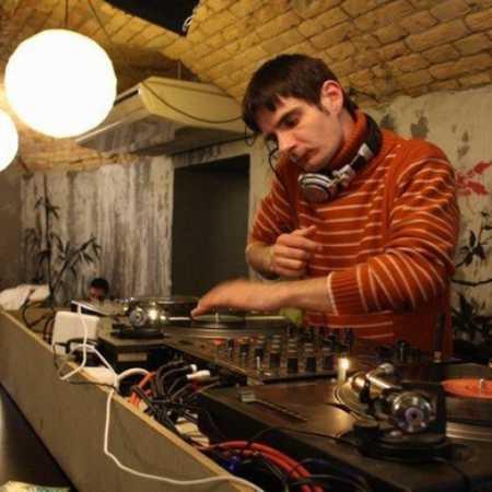 DJ Goldstar
