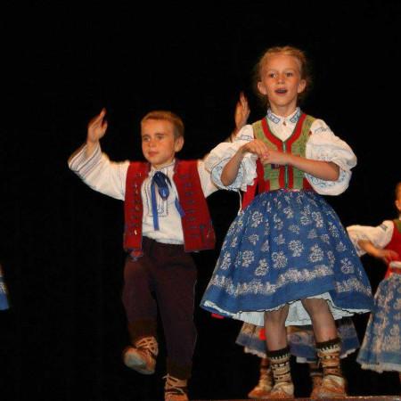 Valášek – Folklorní taneční soubor