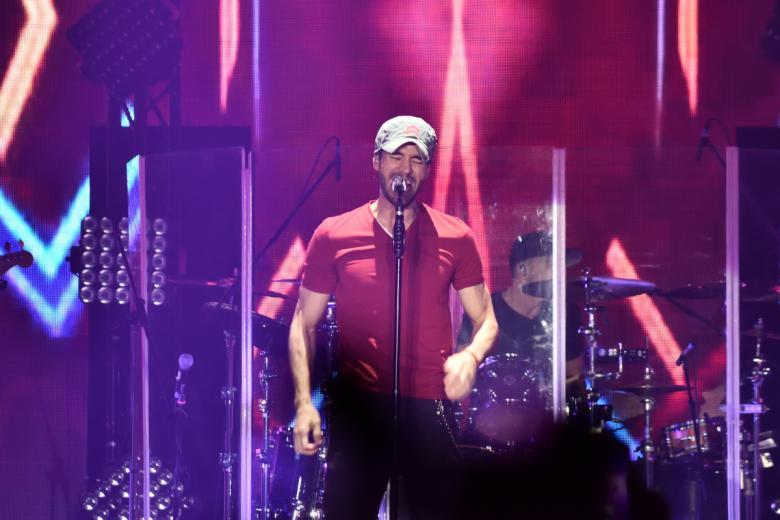 Enrique Iglesias přivezl ze Španělska show plnou emocí