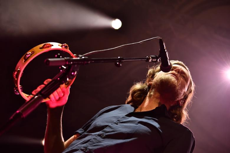 Poctivá hudba a mnoho pozitivní energie. The Lumineers rozzářili podzimní Prahu