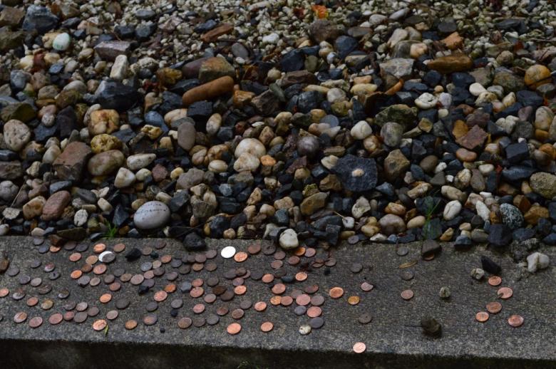 Zvyk pokládání kamenů na hroby a náhrobky zemřelých
