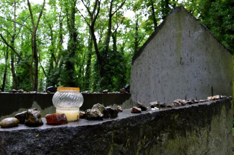 Toulky po hřbitovech: Nový židovský hřbitov na pražských Olšanech