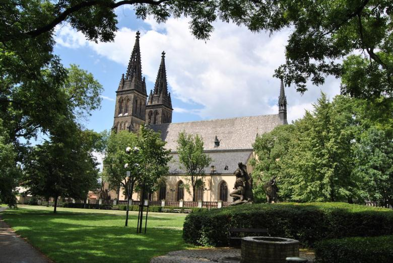 Walk on Vysehrad