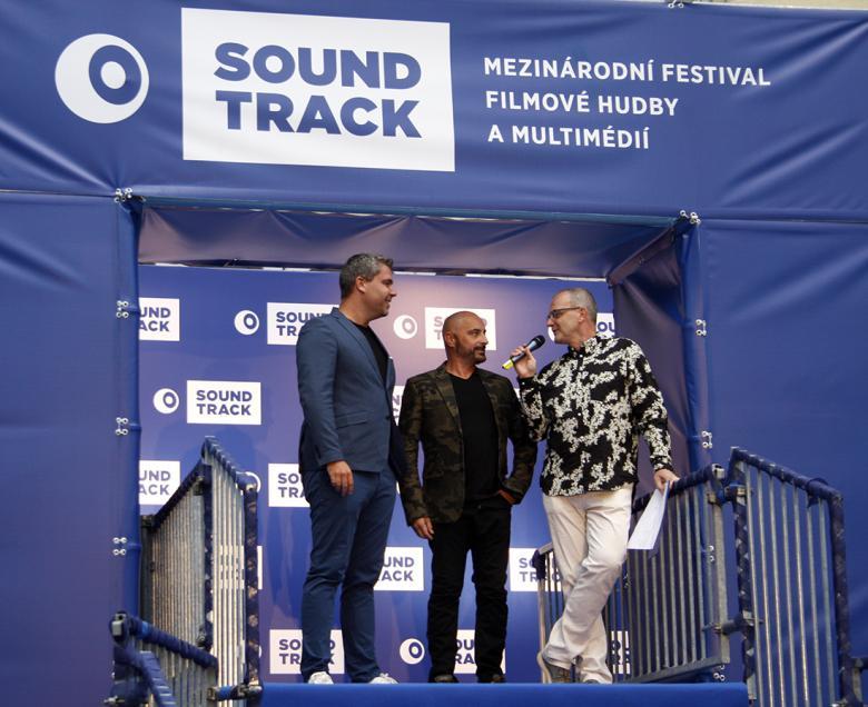 DJ Ondrai a Michal Burian se postarali o čtvrteční afterparty. Foto: Adam Skalník
